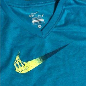 Nike Shirts & Tops - Girls Dri fit Nike shirt